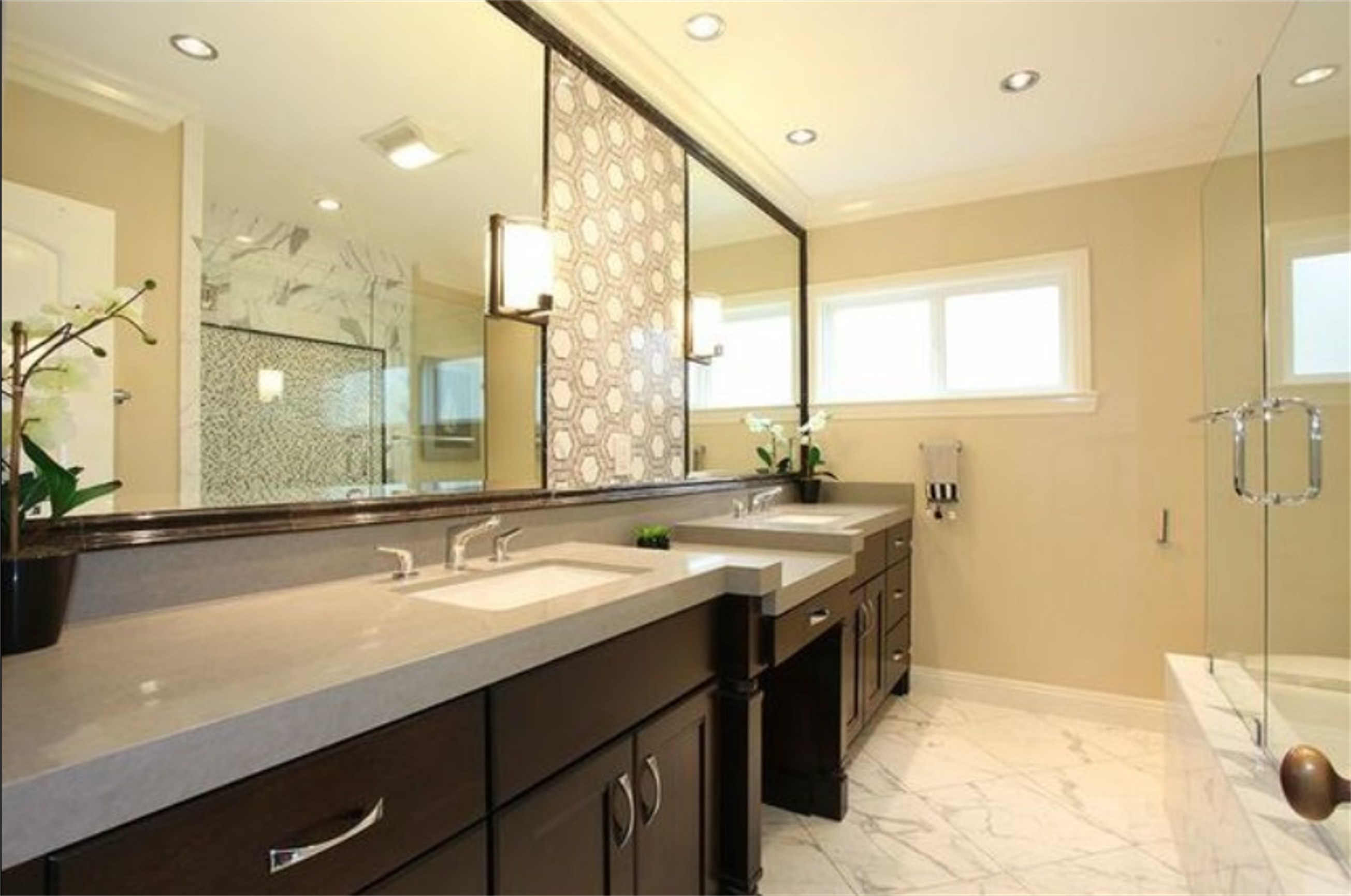 Quartz makes a splash in the bathroom for Bathroom ideas with quartz