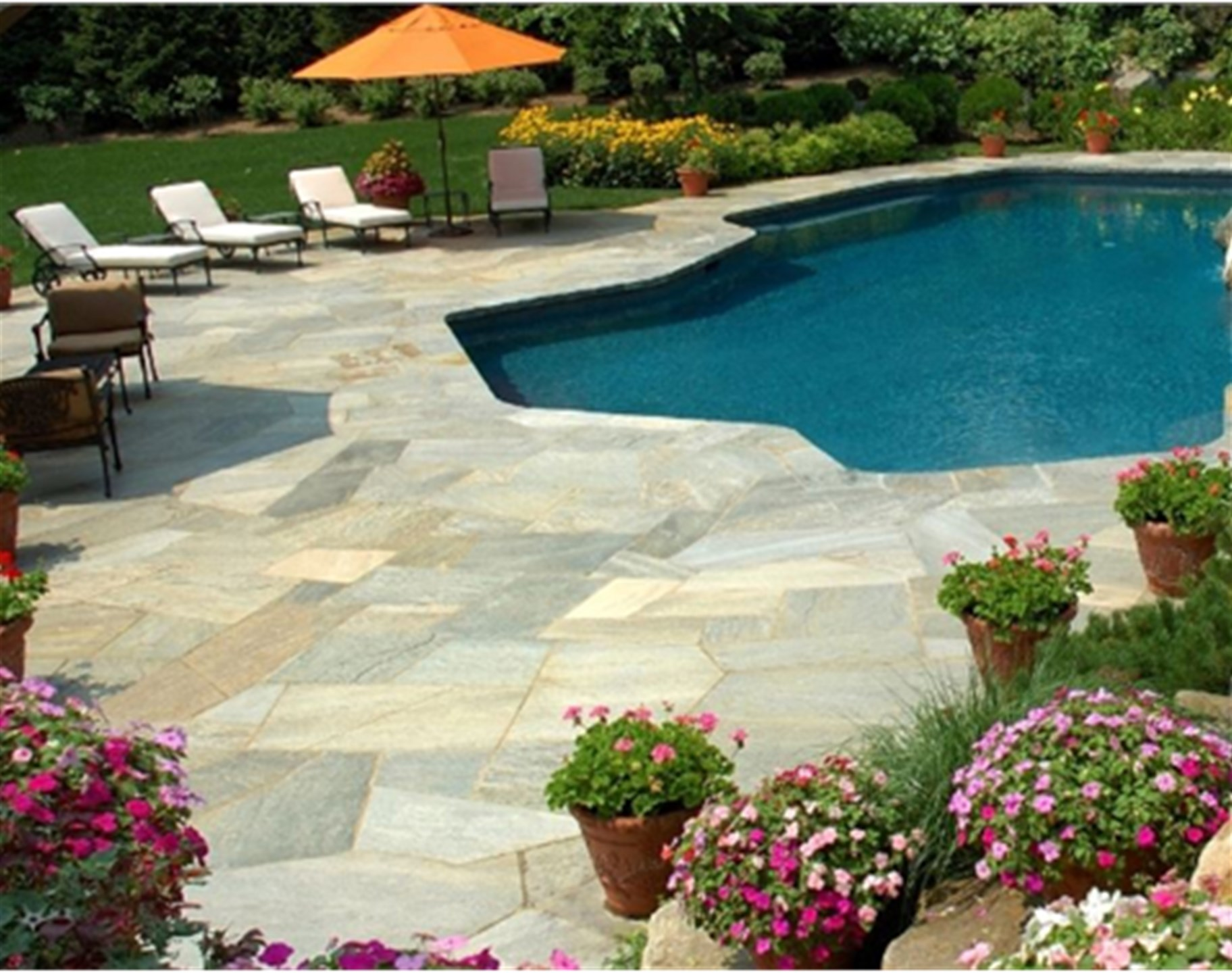 Hardscaping with Natural Stone