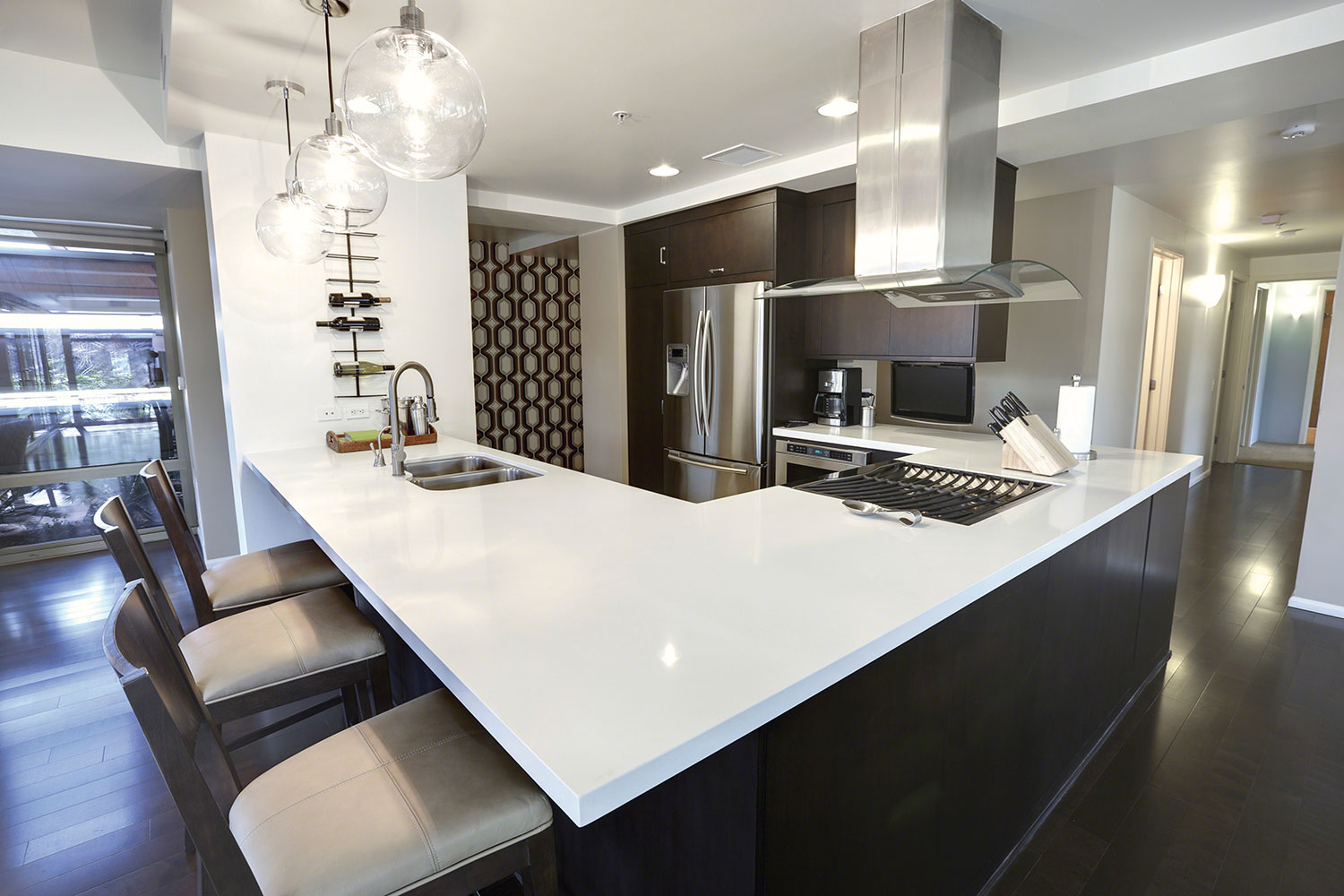 2015 hot kitchen trends part 1 cabinets countertops for Salle a manger quartz