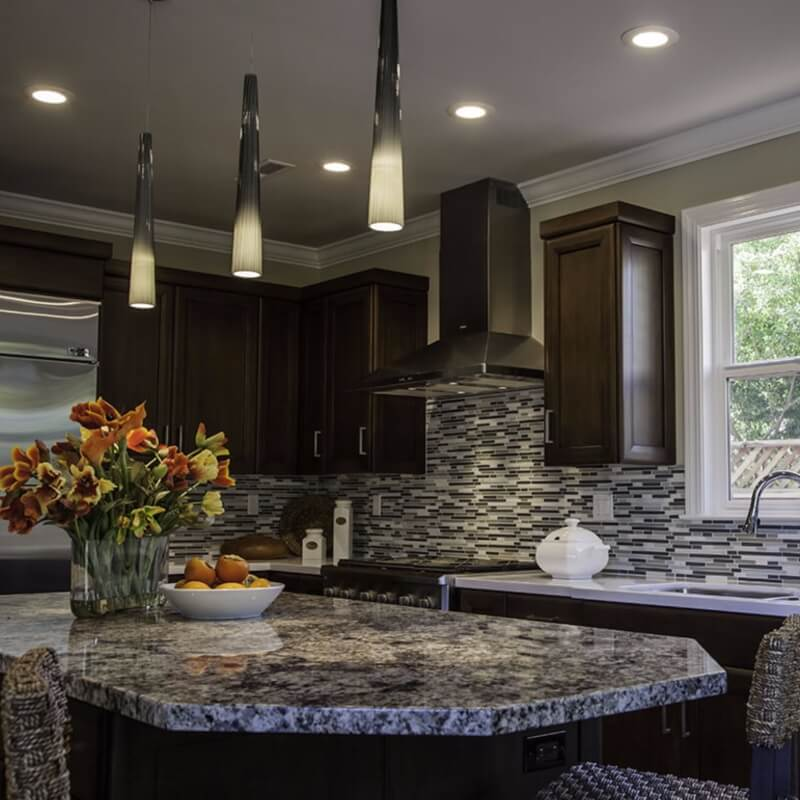 5 Popular Granite Kitchen Countertop and Backsplash Pairings on Granite Countertops With Backsplash  id=28202