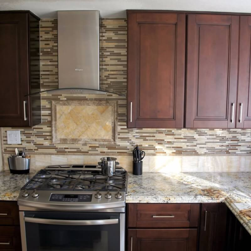 Granite Kitchen Countertops With Backsplash