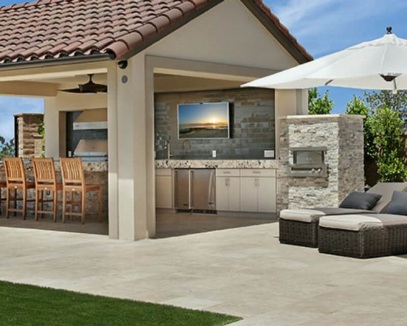Outdoor Oasis: When to Choose Travertine Tile