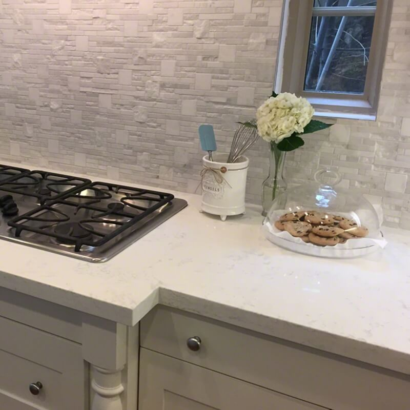 5 Perfect Pairings Of Quartz Countertops With Natural Stone