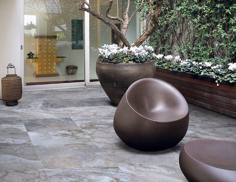 Porcelain Pavers That Perfectly Mimic Travert