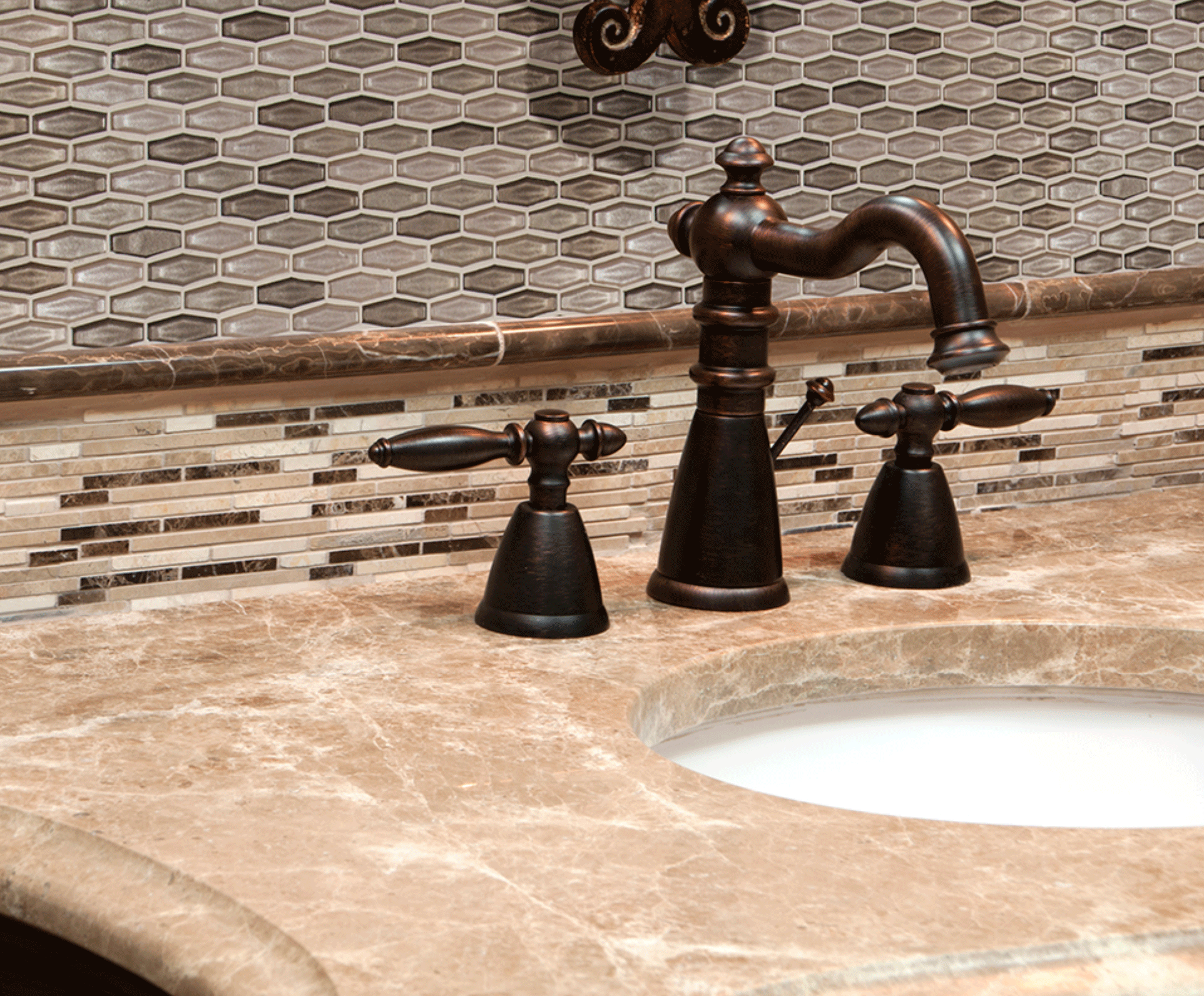 Decorative bathroom backsplash