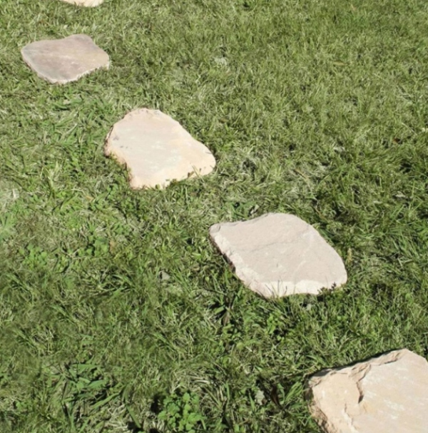 cream colored stepping stone garden hardscaping