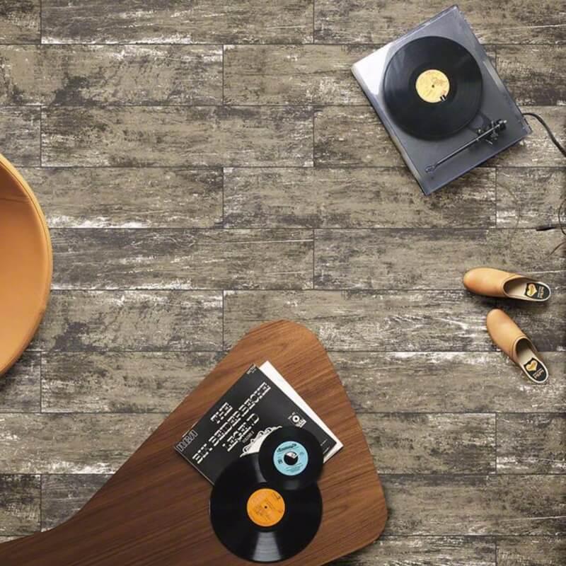 leather-vintage-wood