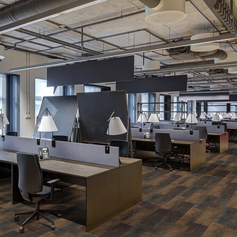 modern+office+with+wood+luxury+vinyl+flooring