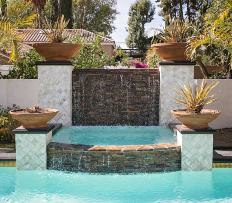 fountain+and+pool+with+stacked+stone