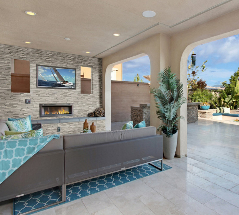 Outdoor Entertainment With Stacked Stone