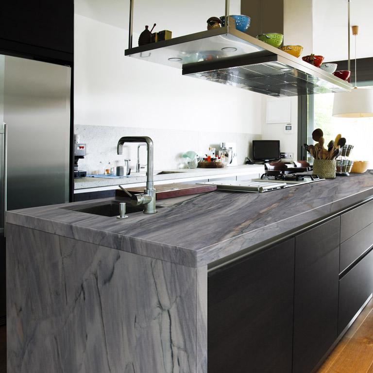 gorgeous quartzite countertop