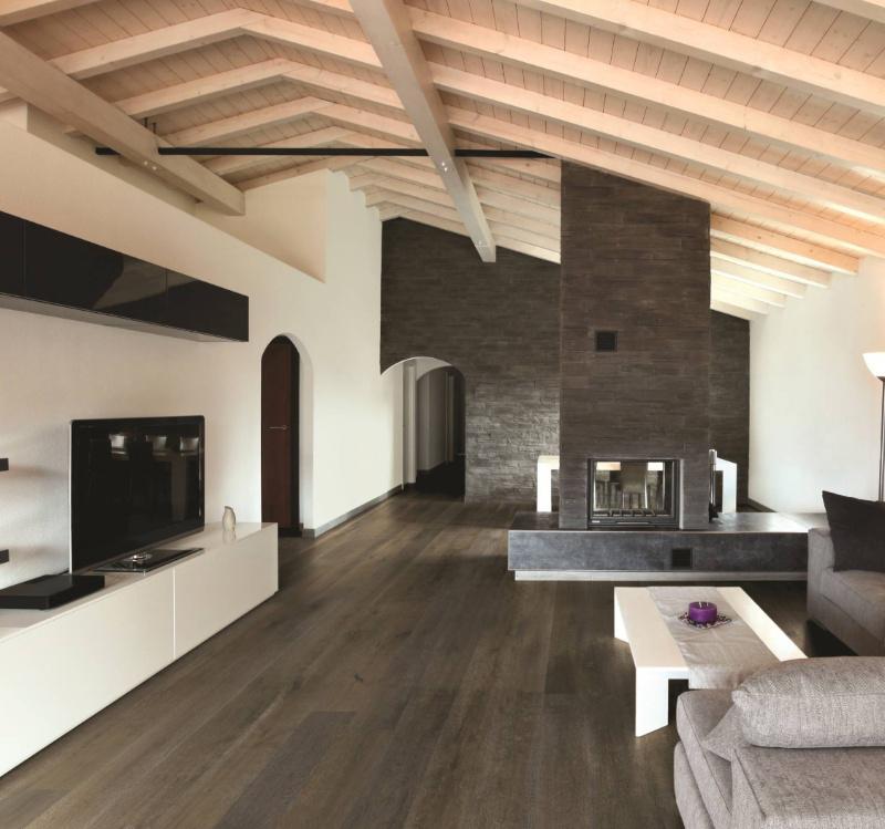 Simple Gray Vinyl Flooring With Wood Look