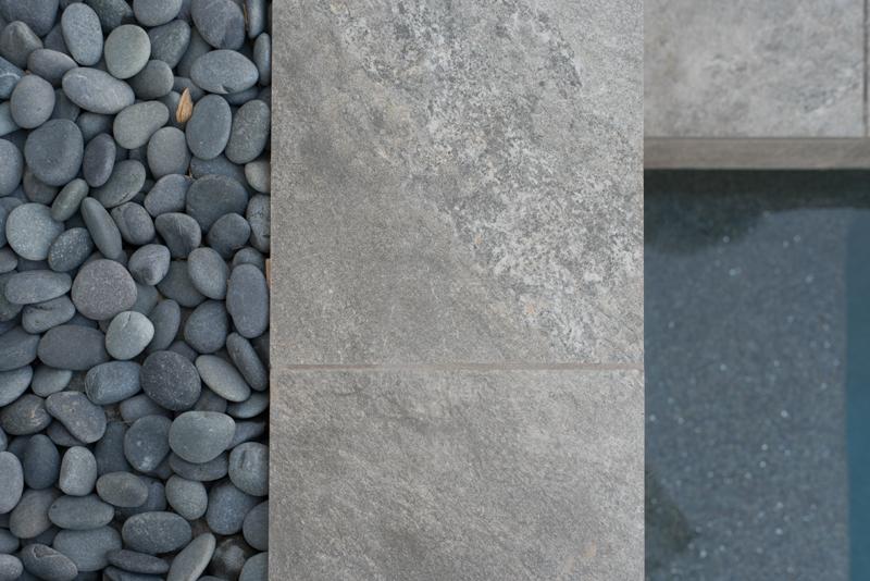 Arterra Quarzo Gray With Beach Pebbles