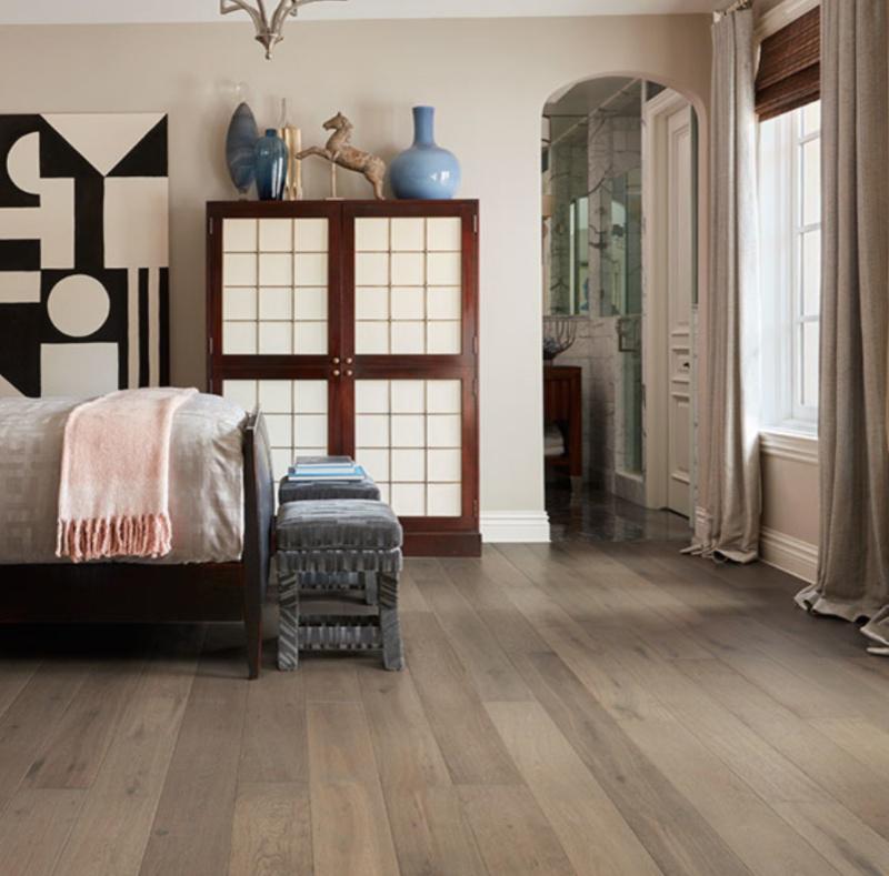 Light Wood Look Vinyl Flooring In Bedroom