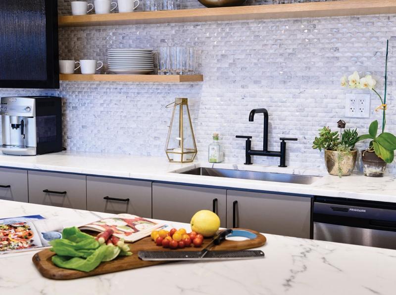 white textured kitchen backsplash