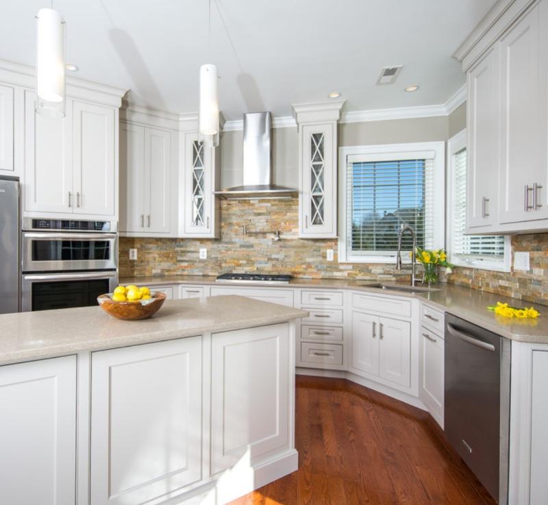 stacked stone kitchen backsplash