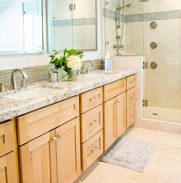 bathroom with salt and pepper granite counter