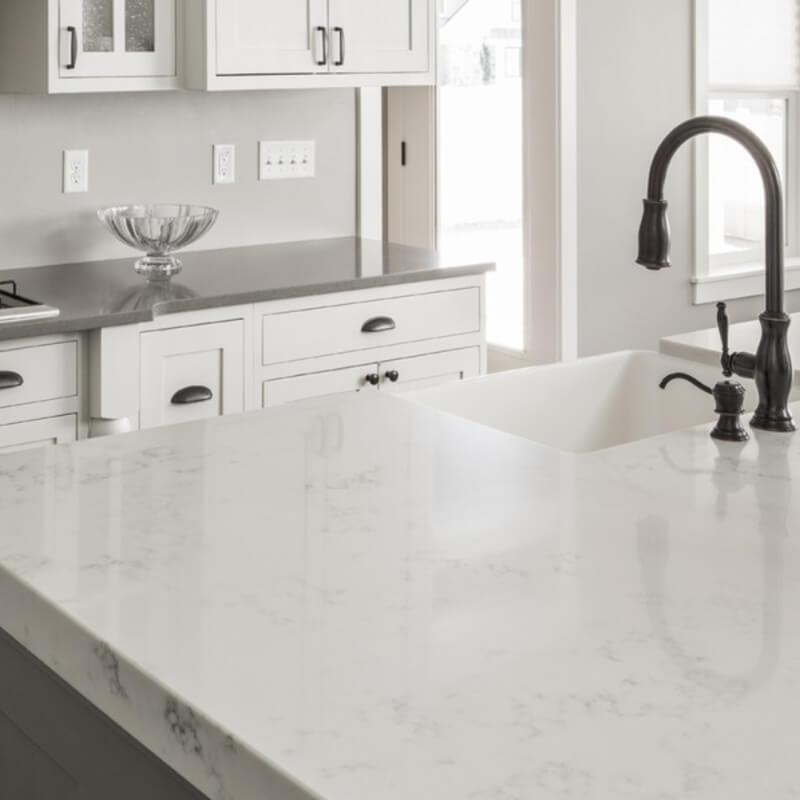 quartz-marble-look-countertop-kitchen-scene