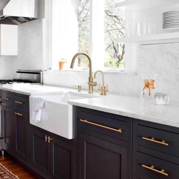 soft veining quartz in dramatic country kitchen