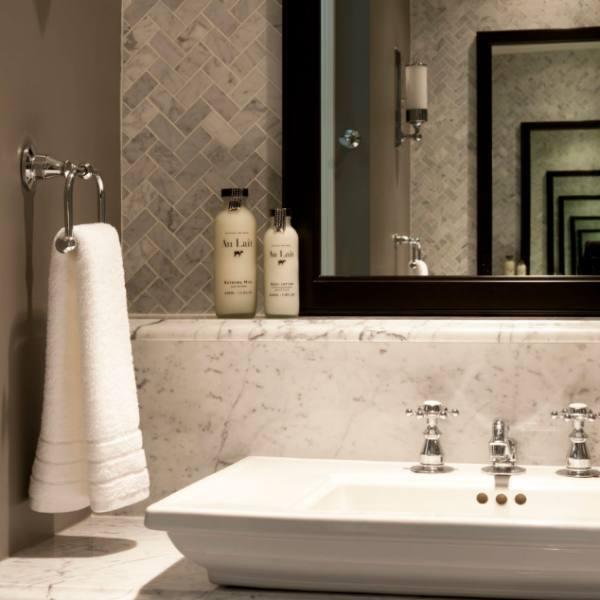delicate veining marble look quartz bathroom