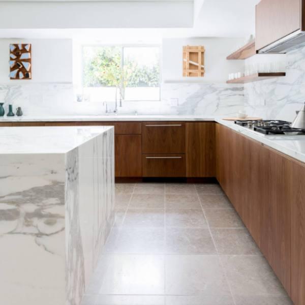 marble look quartz counter and backsplash with smokey vein