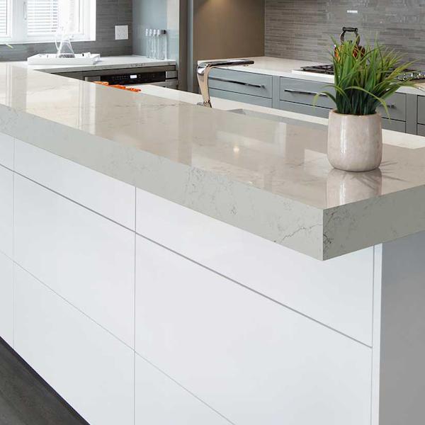 quartz bar countertop with veining