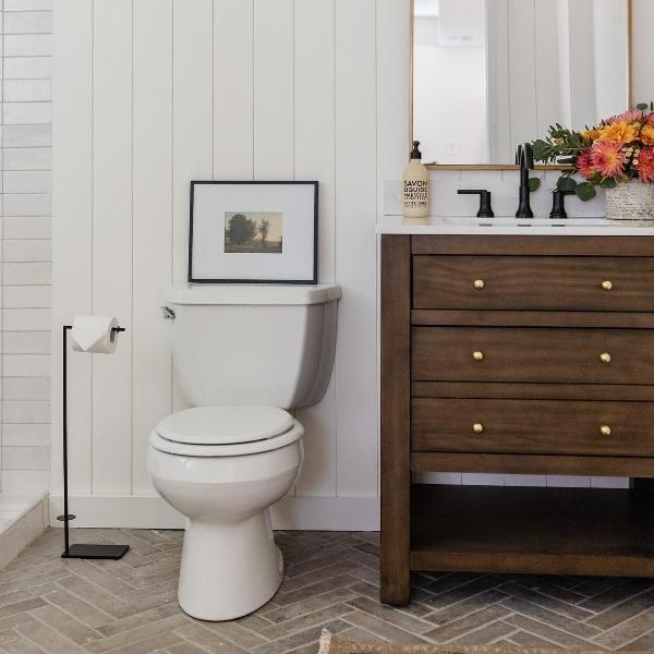 industrial cottage loom bathroom