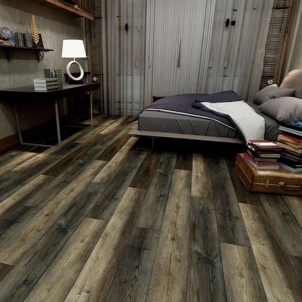 luxury vinyl planks that look like a real wood floor