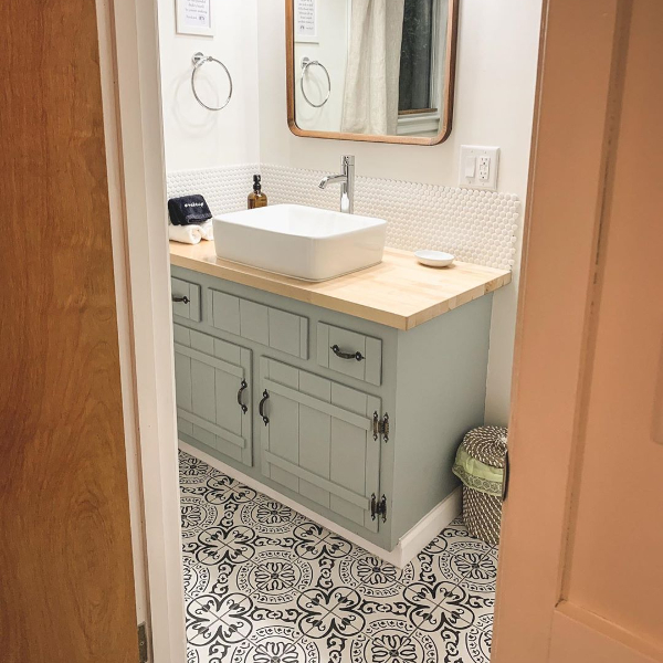 porcelain black and white pattern mosaic flooring