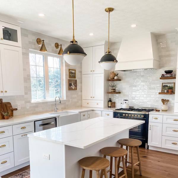marble and quartz kitchen