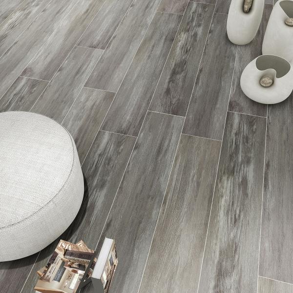close up wood grain vinyl plank flooring