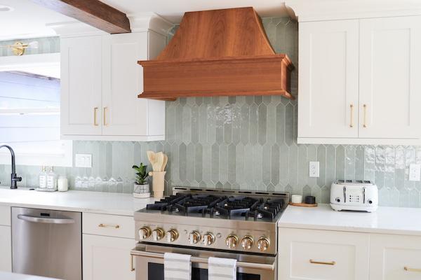 msi-renzo-jade-large-pickett-ceramic-backsplash-tile-with-cabinets-and-gold-hardware