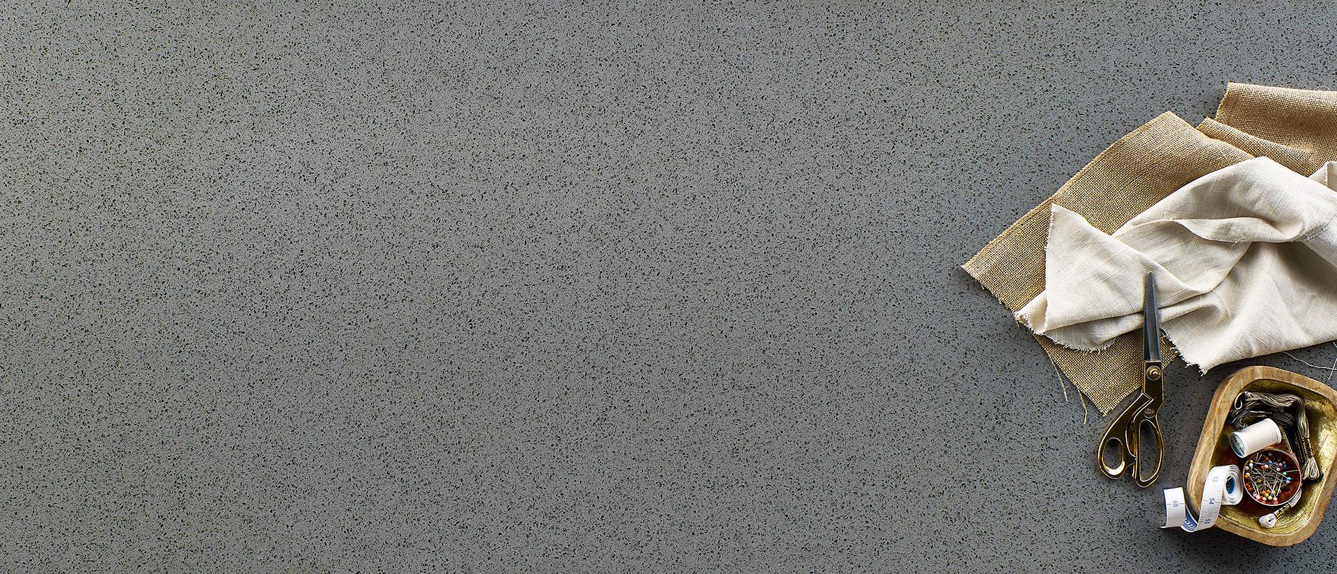 Iced Gray Quartz Vignette